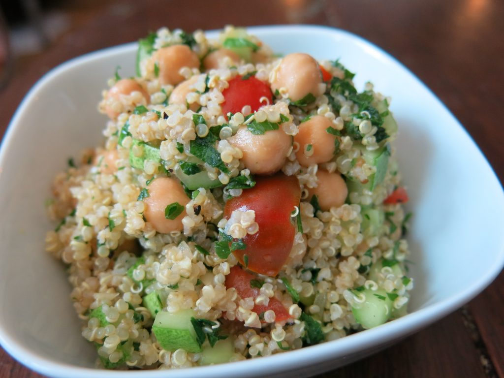 Quinoa Tabbouleh w. Chickpeas